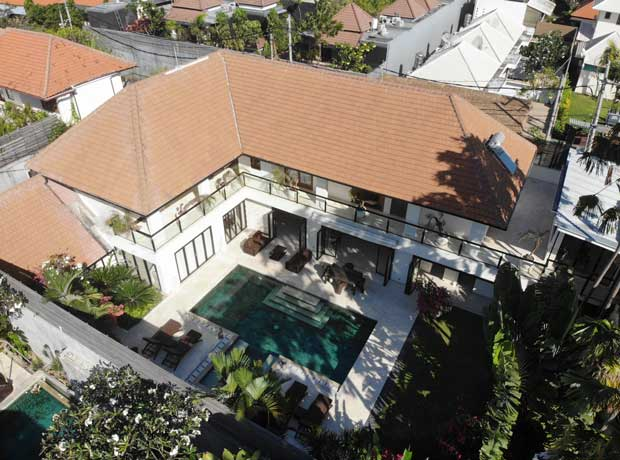 Villa 5 Bedrooms Seminyak